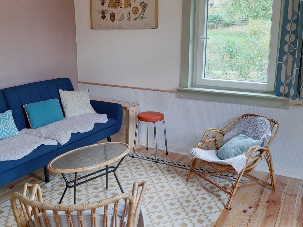 Sitting area / children\'s room
